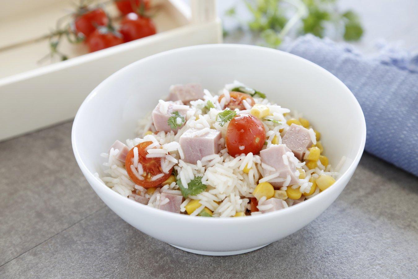 Arroz Basmati con maíz, tomate cherry y jamón cocido