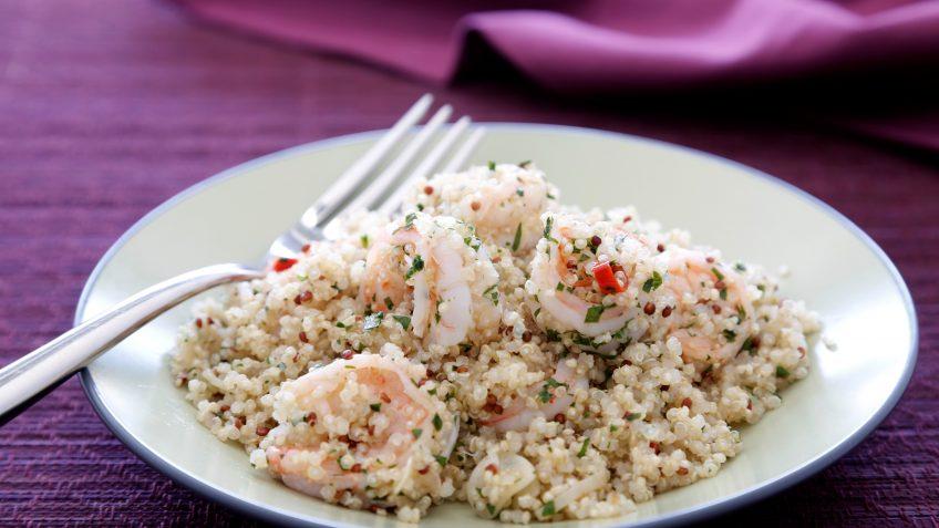 Quinoa con langostinos al ajillo