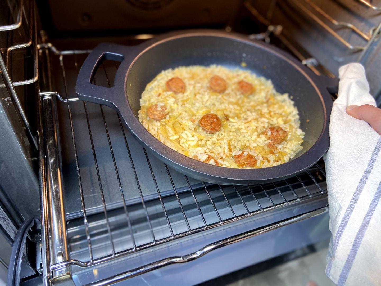 hornear el arroz con chorizo