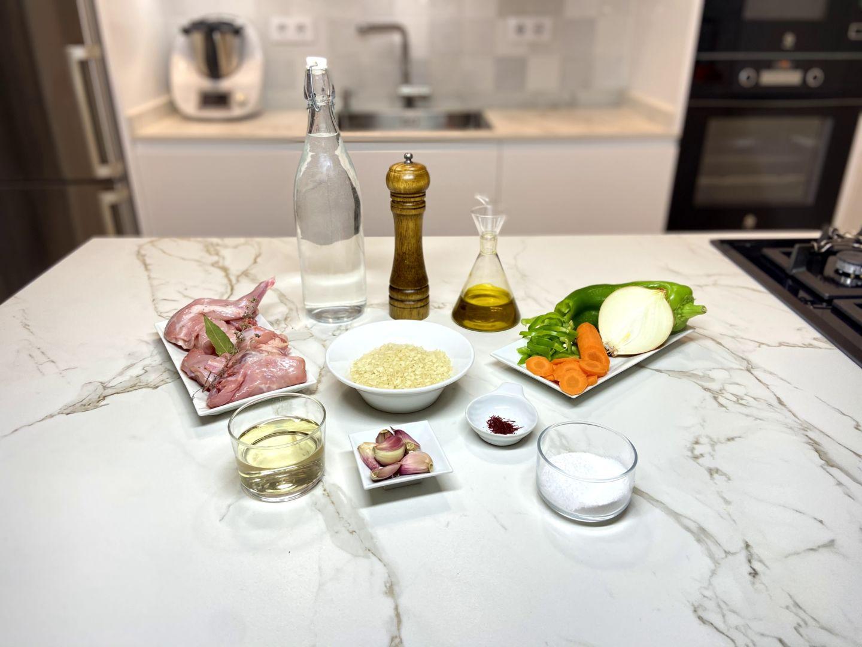 ingredientes para arroz caldoso con conejo