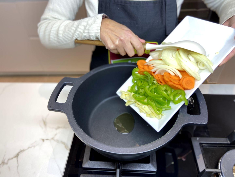 añadimos las verduras a la sartén