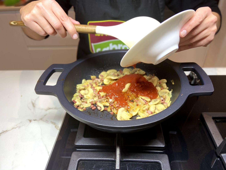 añadimos el tomate frito