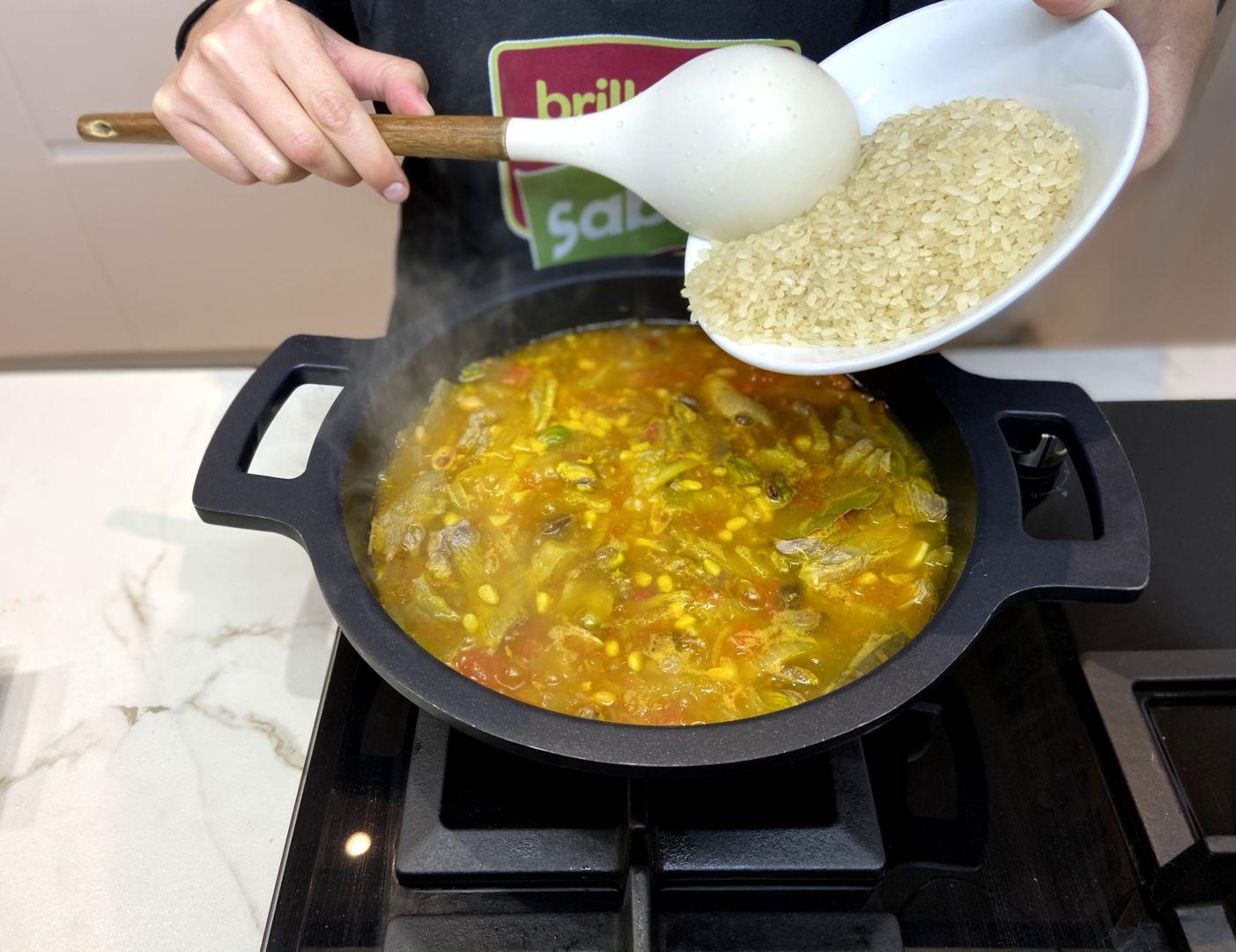 agregar el arroz