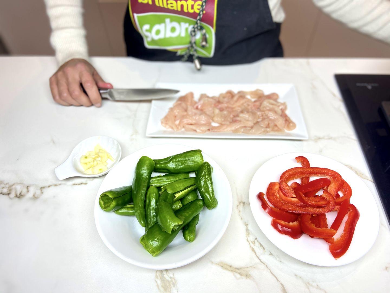 ingredientes lavados y cortados