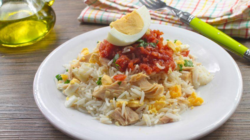 Ensalada de arroz cubana
