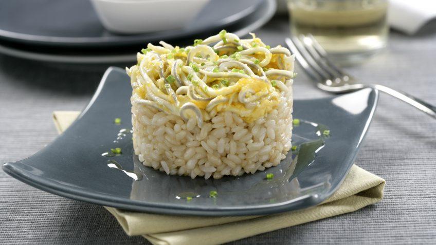 Timbal de arroz con gulas