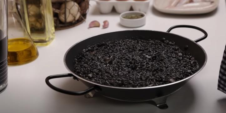 Dejamos reposar el arroz durante 5 minutos
