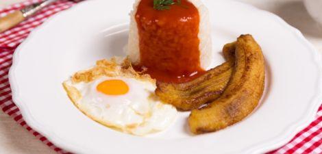 Arroz a la Cubana con Plátano – Recetas Brillante Sabroz