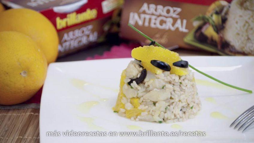 Ensalada de arroz integral y bacalao