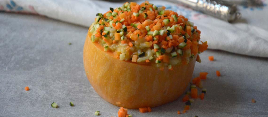 Calabaza rellena de risotto de verduras