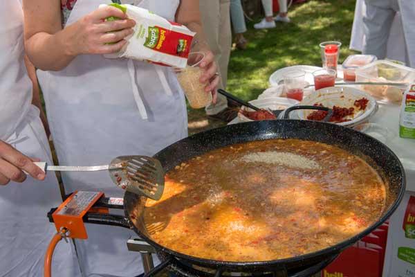 paella-de-marisco-con-arroz-sabroz