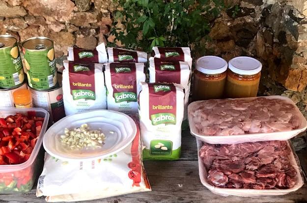 Ingredientes de la receta de Brillante de paella de carne y verduras para 60 personas