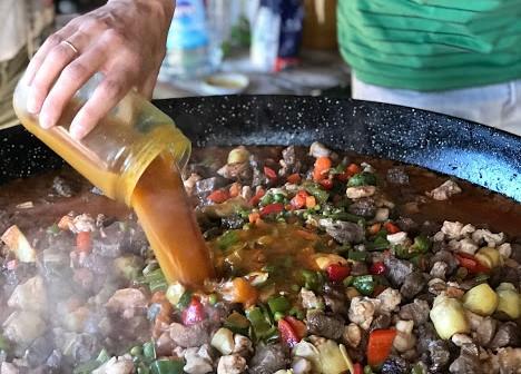 azafrán para carne guisada de la receta de Brillante de paella de carne y verduras para 60 personas