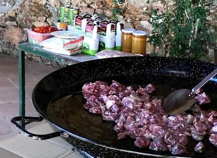 carrillada para la receta de Brillante de paella de carne y verduras para 60 personas