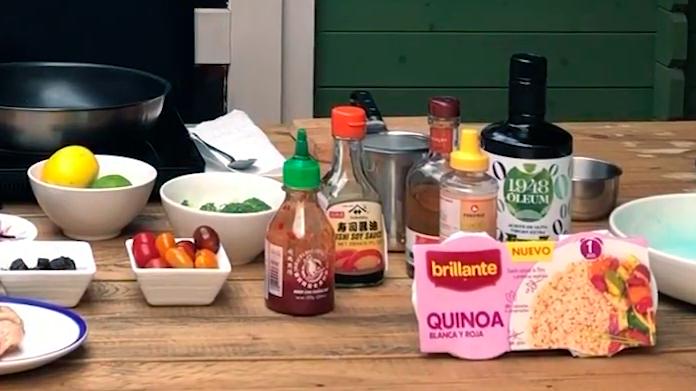 ingredientes ensalada con vasitos de quinoa Brillante