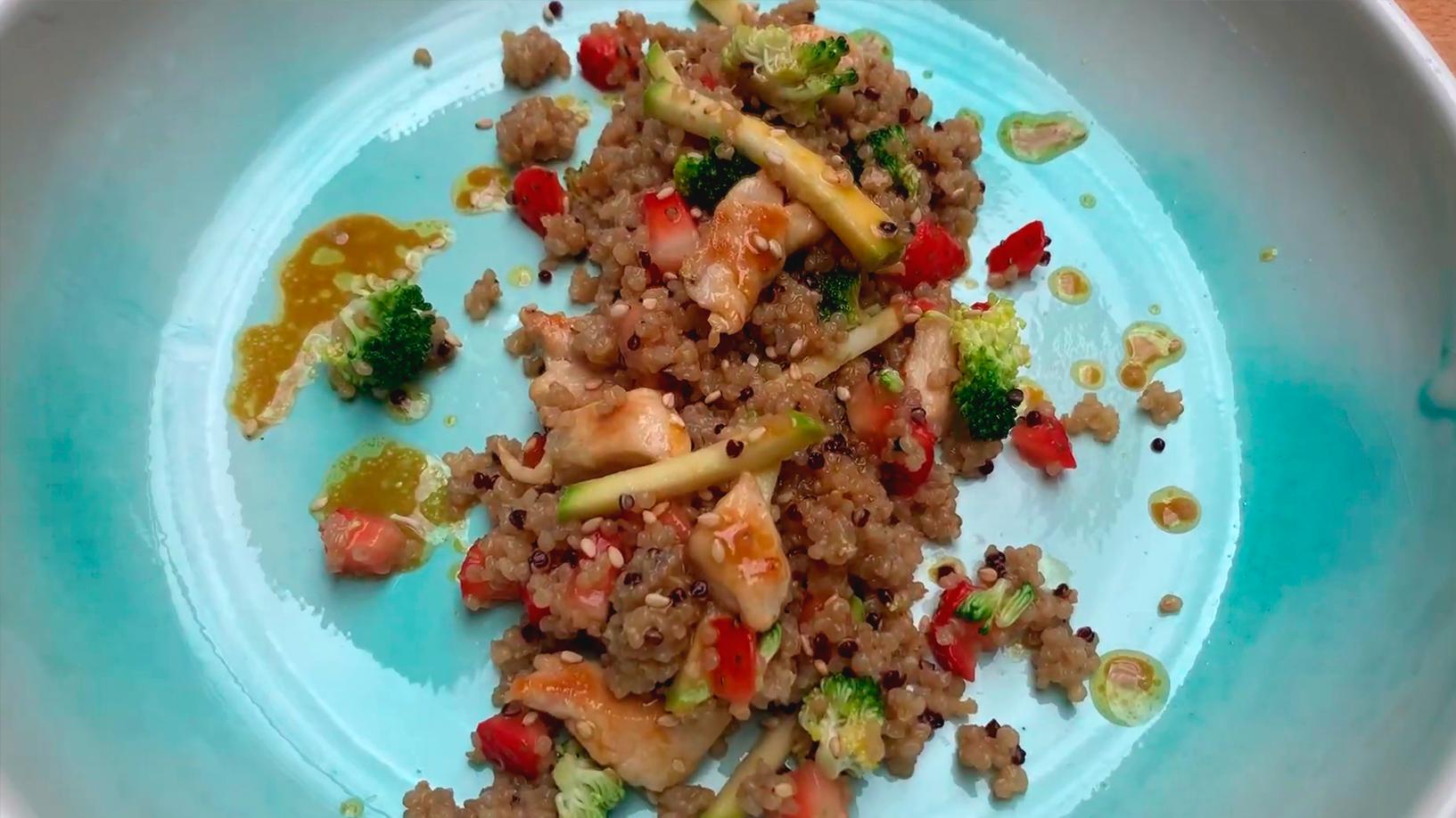 Ensalada con vasitos de quinoa Brillante