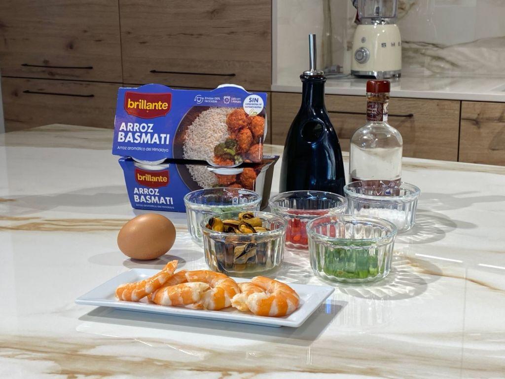 Ingredientes para ensalada marinera de arroz basmati